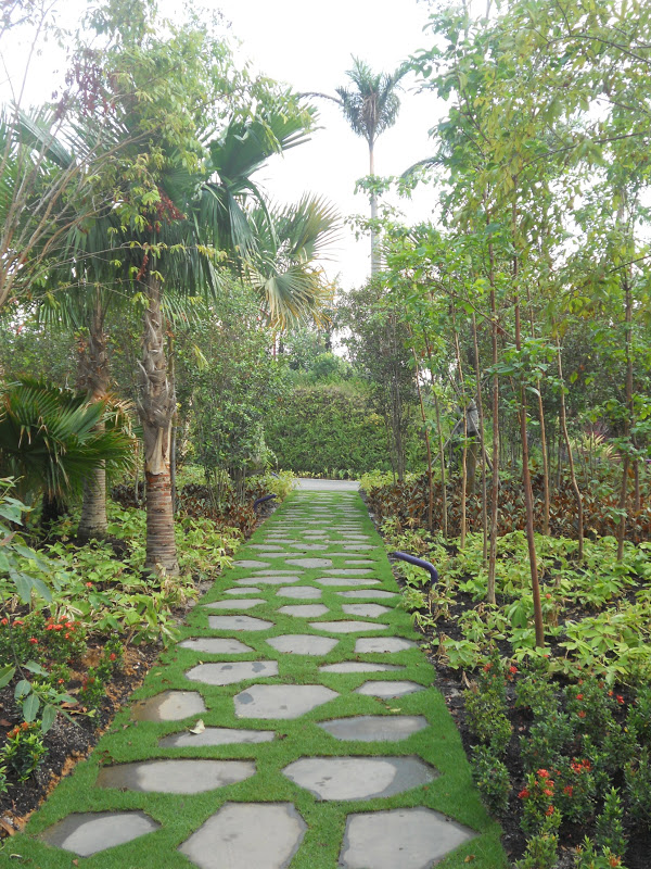 Journeys and Jonquils: Summer Travels 2012 - Part 3: Gardens by ...