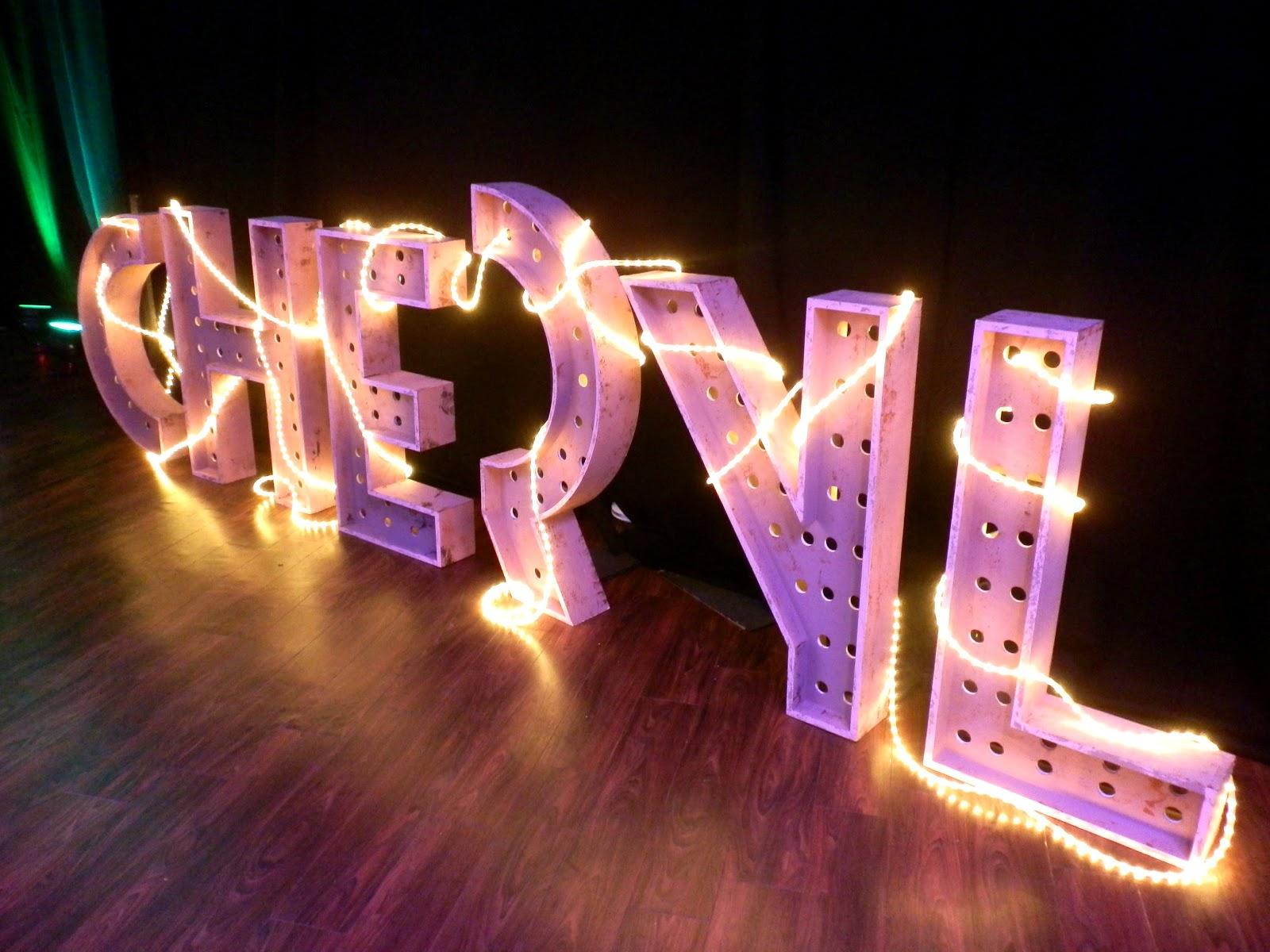 http://2.bp.blogspot.com/-lDH8xCnAj5U/UHsxAfiGK7I/AAAAAAAAIFA/41RNLE8P1xw/s1600/cheryl+cole+a+million+lights+tour.jpg