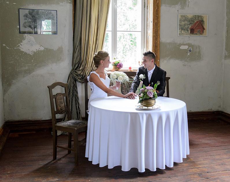 vestuvių fotosesija jakiškių dvare