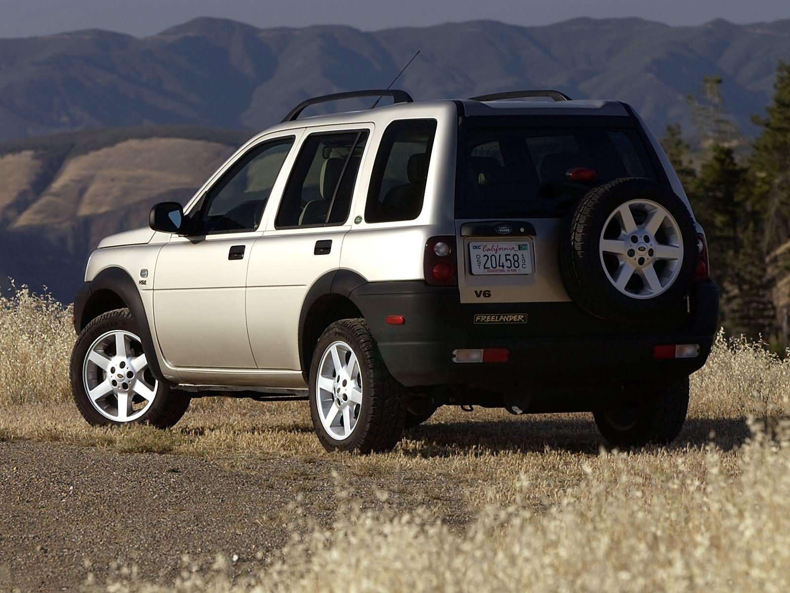 2003 land rover freelander rear view