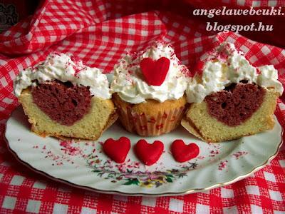 Valentin napi szívecskés muffin, egy fehér alap, illetve egy piros tésztából, amiből kicsi szív formákat teszünk a belsejébe.