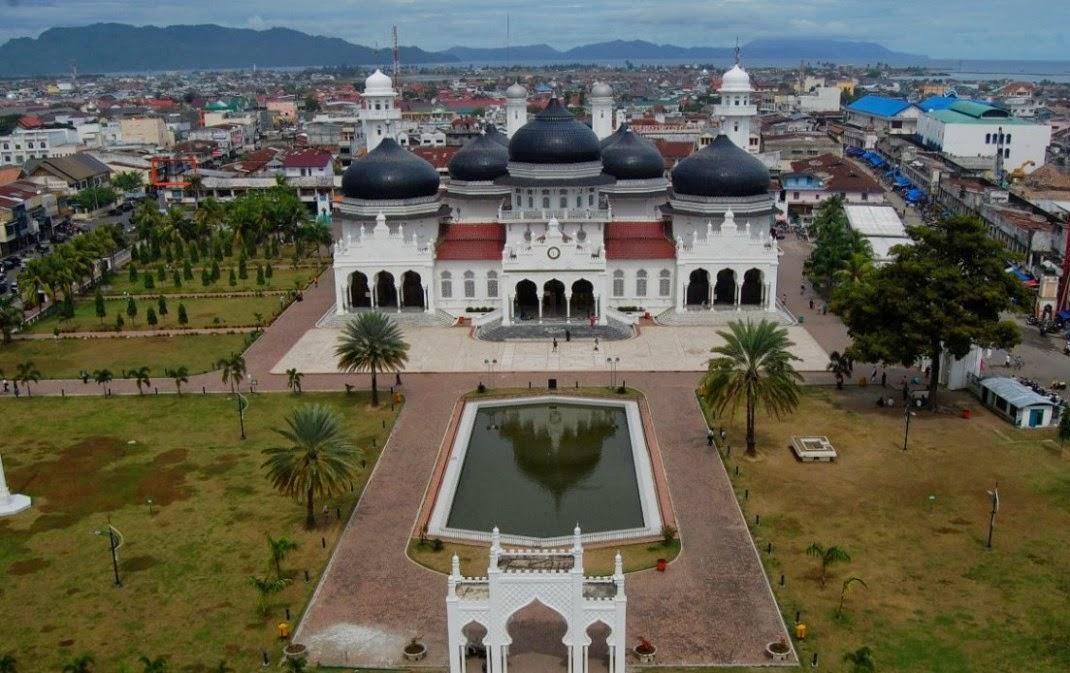 Sejarah Mesjid Raya Baitur rahman