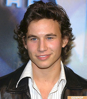 Jonathan_Taylor_Thomas_Shirtless http://elizabethsmarts.blogspot.com/2011/09/jonathan-taylor-thomas-biography-girl.html