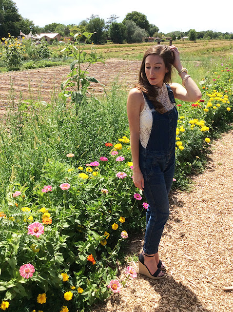 How to Style Overalls in a Feminine Way