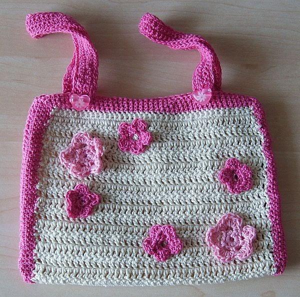 basslady creations kleine geh kelte kindertasche in pink rosa creme. Black Bedroom Furniture Sets. Home Design Ideas