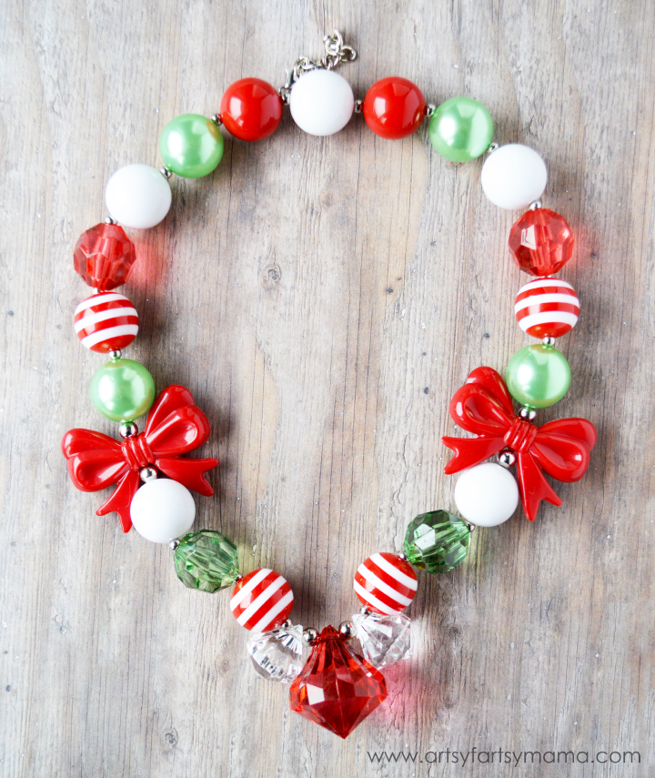 Holly Jolly Christmas Necklace at artsyfartsymama.com