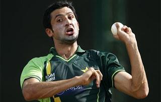junaid khan bowling style
