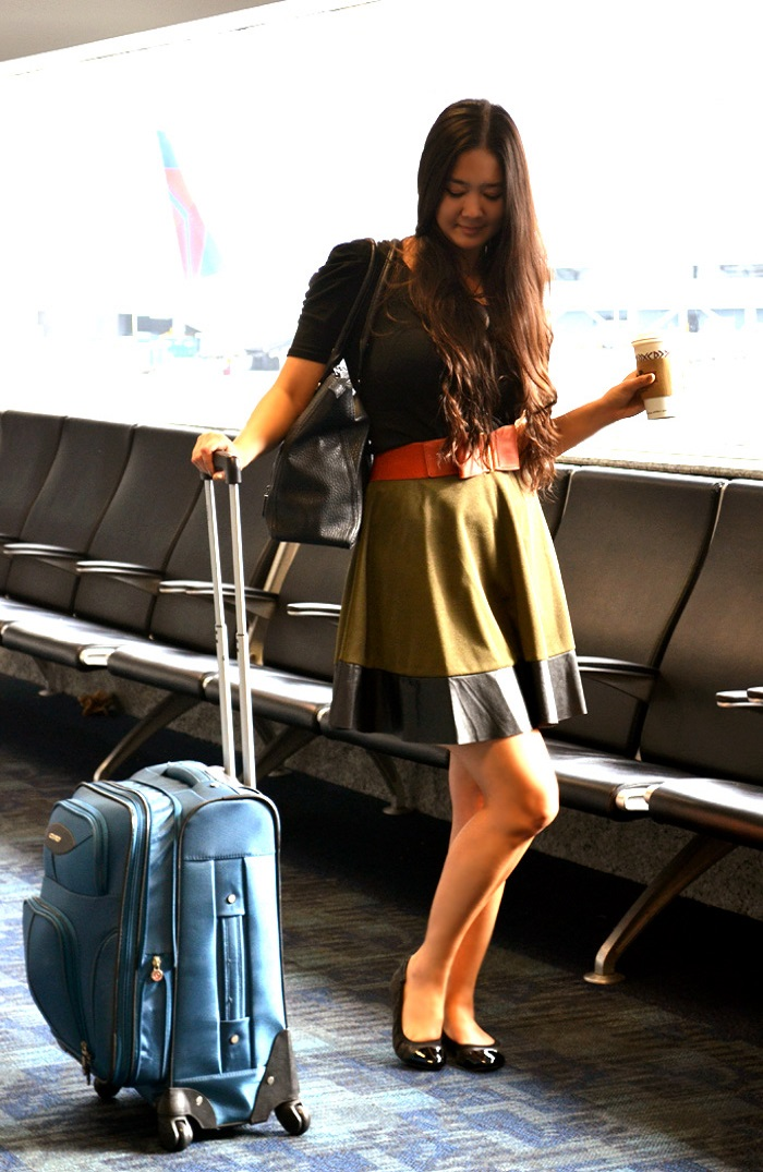 comfy cute airport outfit