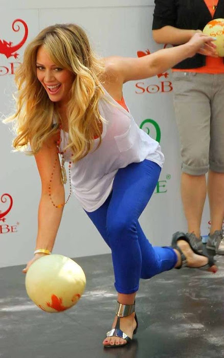 hilary duff tried bowling for sobe campaign (13 ) actress pics