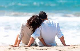 pacaran di pantai