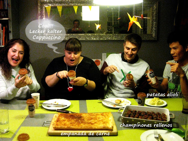 Patatas alioli, Empanada de carne, Champinones rellenos de jamón serrano,