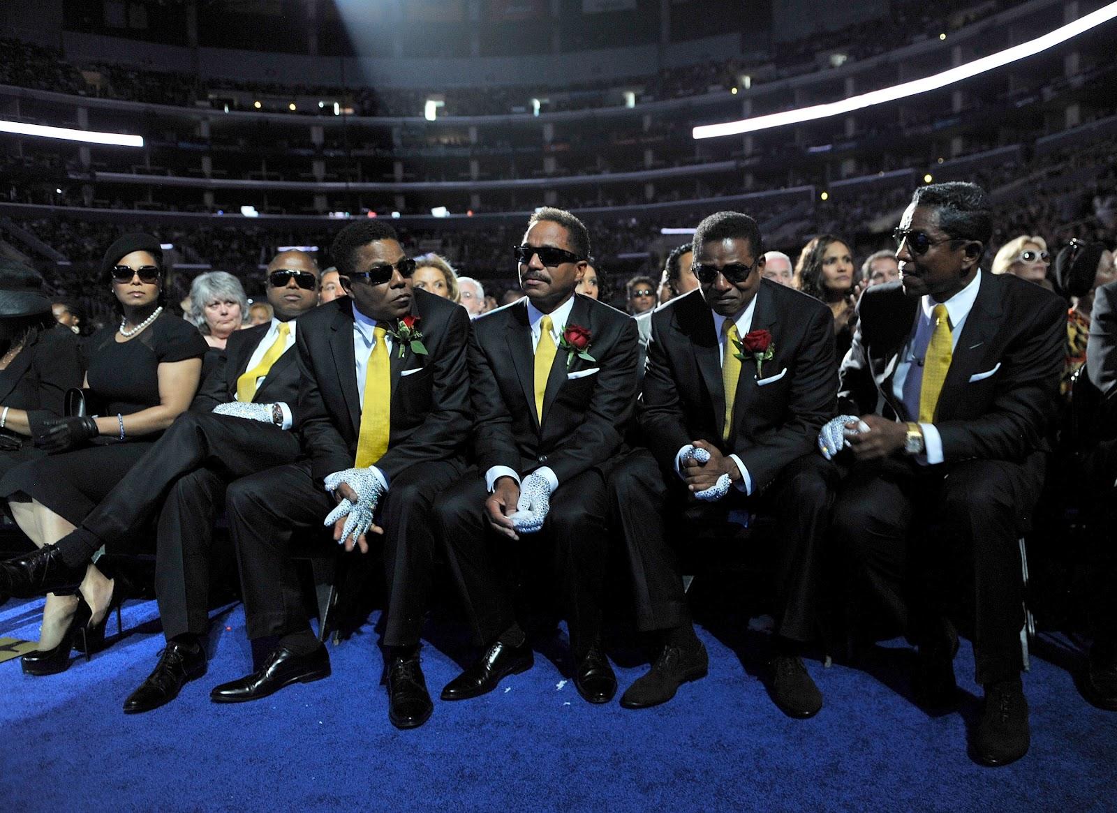 http://2.bp.blogspot.com/-lF4qsxq1cNs/T-iSmCTpUbI/AAAAAAAAHrc/JZ3b8KGKsUI/s1600/michael-jackson2.jpg