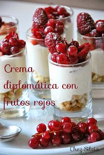 Crema diplomática con frutos rojos