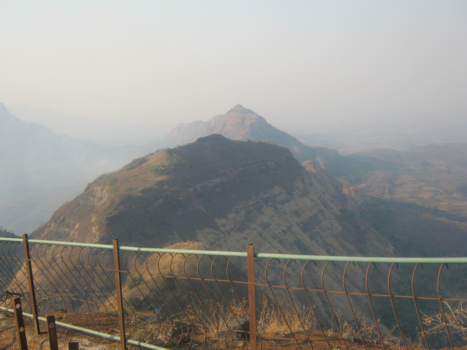 a visit to a hill station matheran Matheran is a lovely hill station comes in maharashtra state find the best time to visit, climate, places to visit, month wise temperature to accommodation detail indian western ghats are not only majestic but also sensational and one such place is matheran which is one of the smallest hill stations in india.