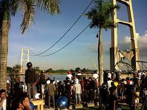 Foto Gambar Jembatan Kutai Kartanegara Tenggarong Mahakam Ambruk Roboh Runtuh Youtube Video