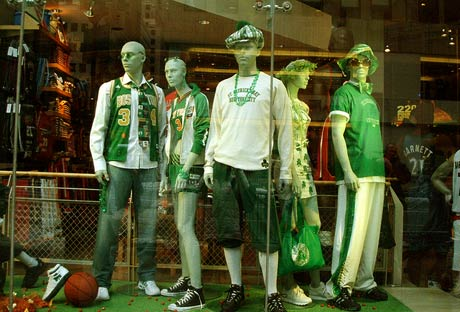 Store-display-windows-on-St. Patrick's Day All Green