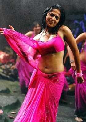 Aunshka Hot in Saree