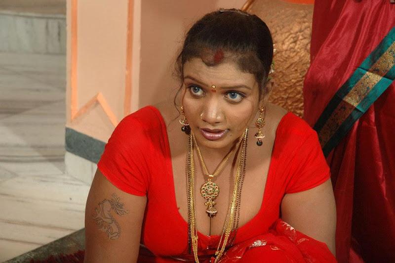 Tamil Actress Mallika Hot Show Photos navel show