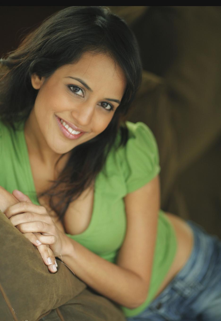 Agam Darshi - Hot Celebrities 2012