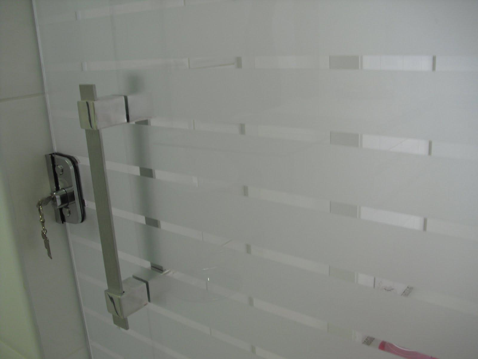 #6B444B Porta da lavanderia: Tipos de Vidro Dicas do Novo Apê 1600x1200 px porta para banheiro de vidro jateado