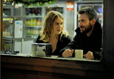 Alice Eve and Chris Evans in Before We Go