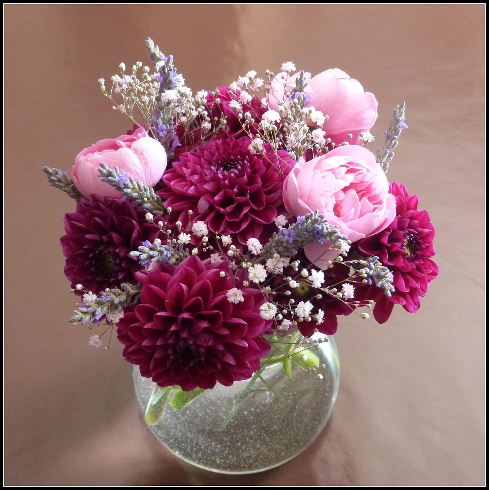 Un jardin des fleurs premier bouquet associant des for Fleurs thes au jardin