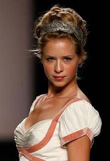 Peinados y moda fabulosos peinados de novias recogidos for Recogidos altos para novias