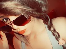 La locura es una sobredosis de felicidad. :)
