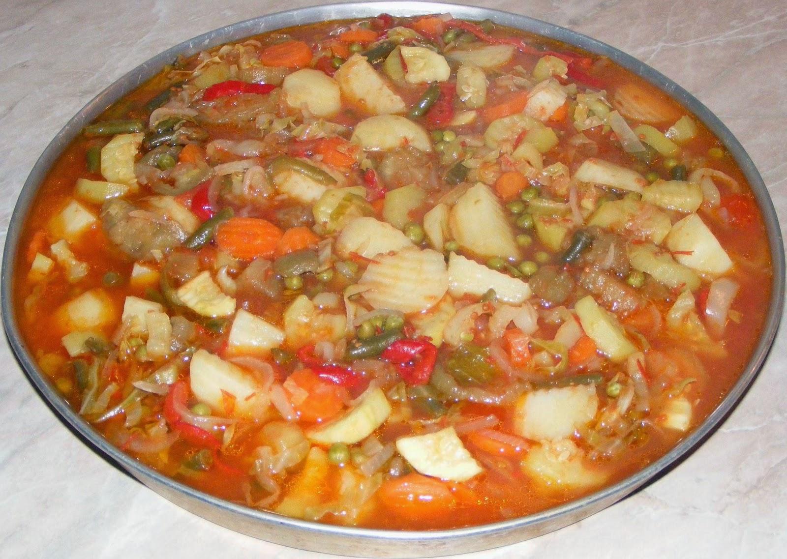 ghiveci, ghiveci de legume, ghiveci de post, ghiveci la cuptor, retete de post, retete culinare, retete de mancare, preparate culinare, mancaruri de post, legume la cuptor, ghiveci calugaresc, mancare ghiveci, ghiveci de legume si masline,