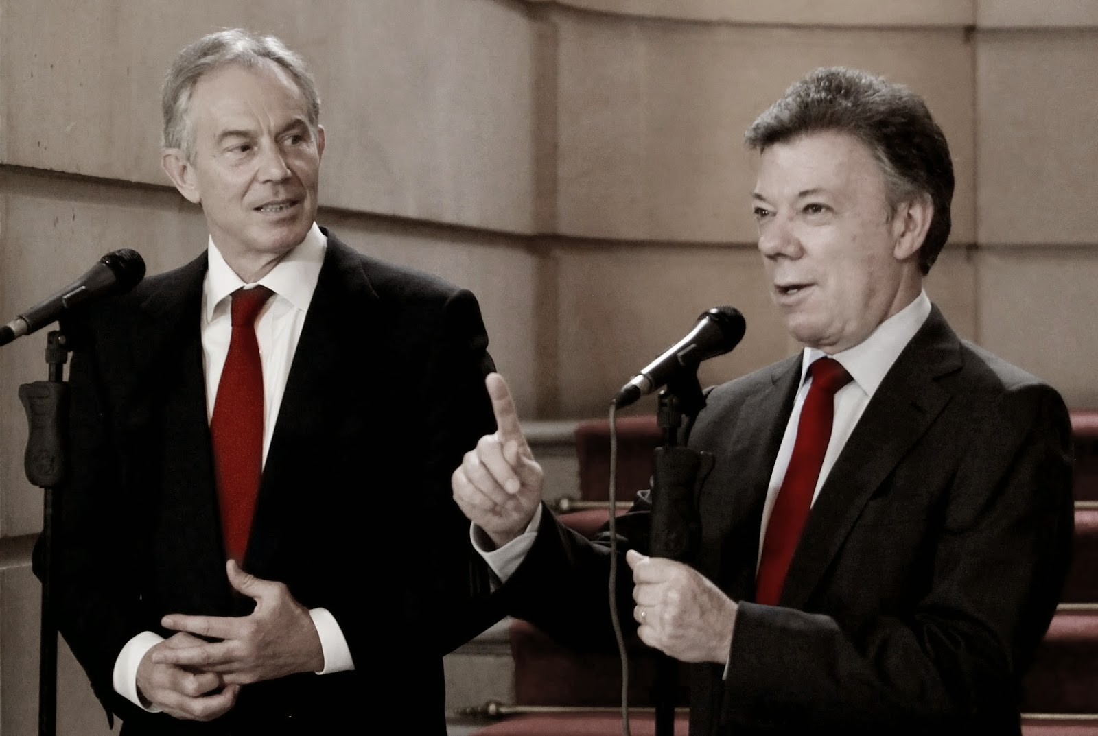 Juan Manuel Santos y Blair