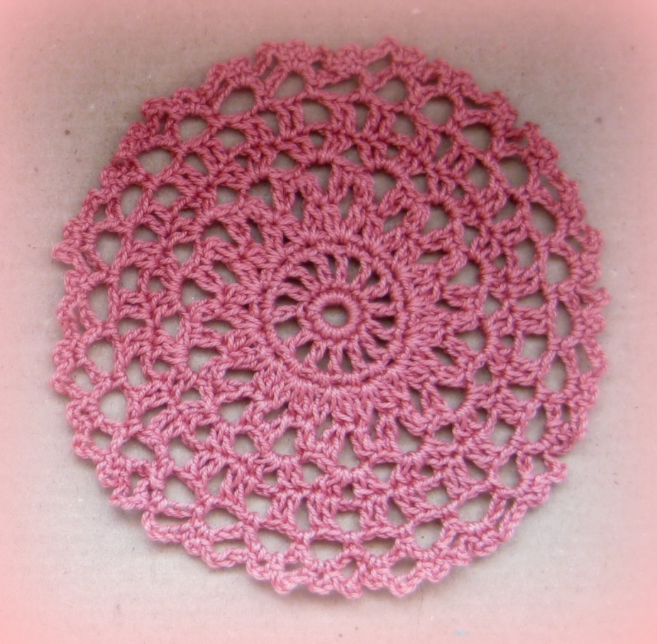 Free Crochet Patterns For Mini Doilies : Crocheting with Cotton threads...its more fun in the ...