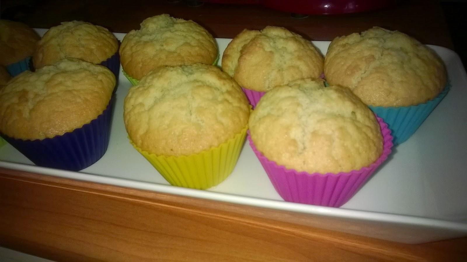 Munattomat ja maidottomat muffinssit