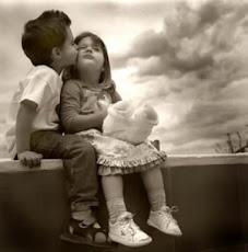 +Grítale al mundo que me Quieres-Te quiero+¿Por qué me lo dices al oído?-PorQue eres mi Mundo