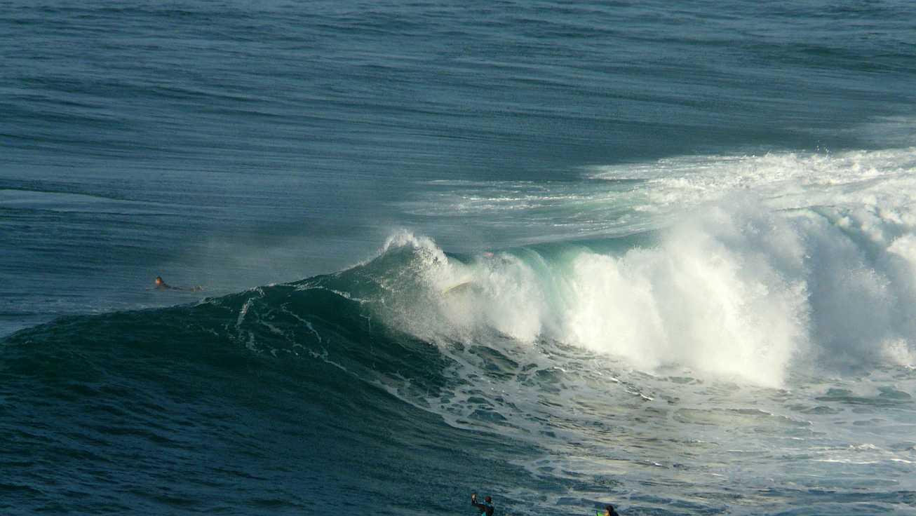 surf olas grandes menakoz 10