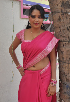 nijam nizhalagirathu unknown deep remove her saree in shooting spot photo gallery