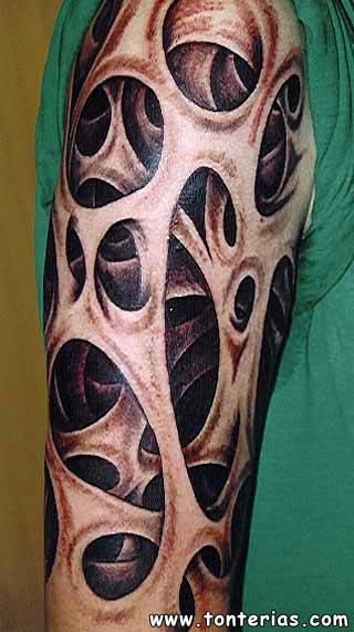 LOS tatuajes en el brazo en mi opinion son muy cheveres , y originales ...