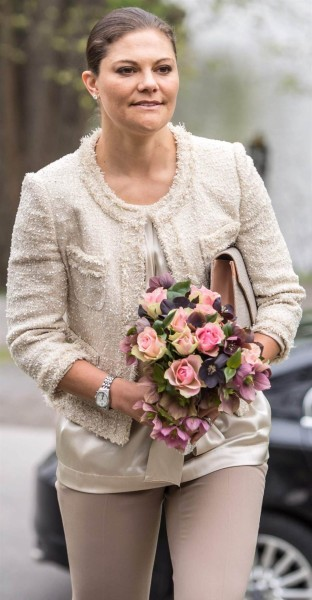 Style of Crown Princess Victoria, Dress, Jewelry, Coat, Shoes, Earings, necklace
