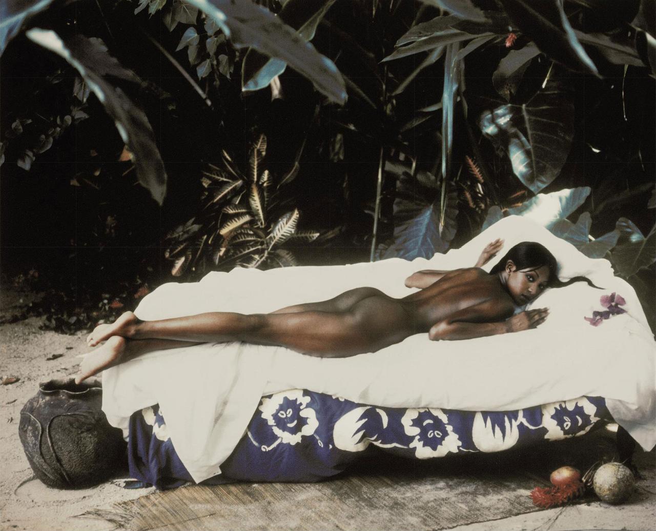 http://2.bp.blogspot.com/-lHFIBDe9cPQ/TdYZ_KbJbaI/AAAAAAAABC8/jr2F06MPkh0/s1600/Homage-a-Gauguin-Naomi-Campbell-by-Peter-Lindbergh-for-Harper%25E2%2580%2599s-Bazaar-Jamaica-1992.jpg