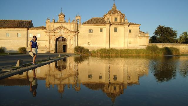 Pilar Bernal Maya en el Monasterio de la Cartuja de Sevilla