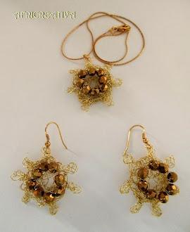 Parure filo dorato e perle a crochet