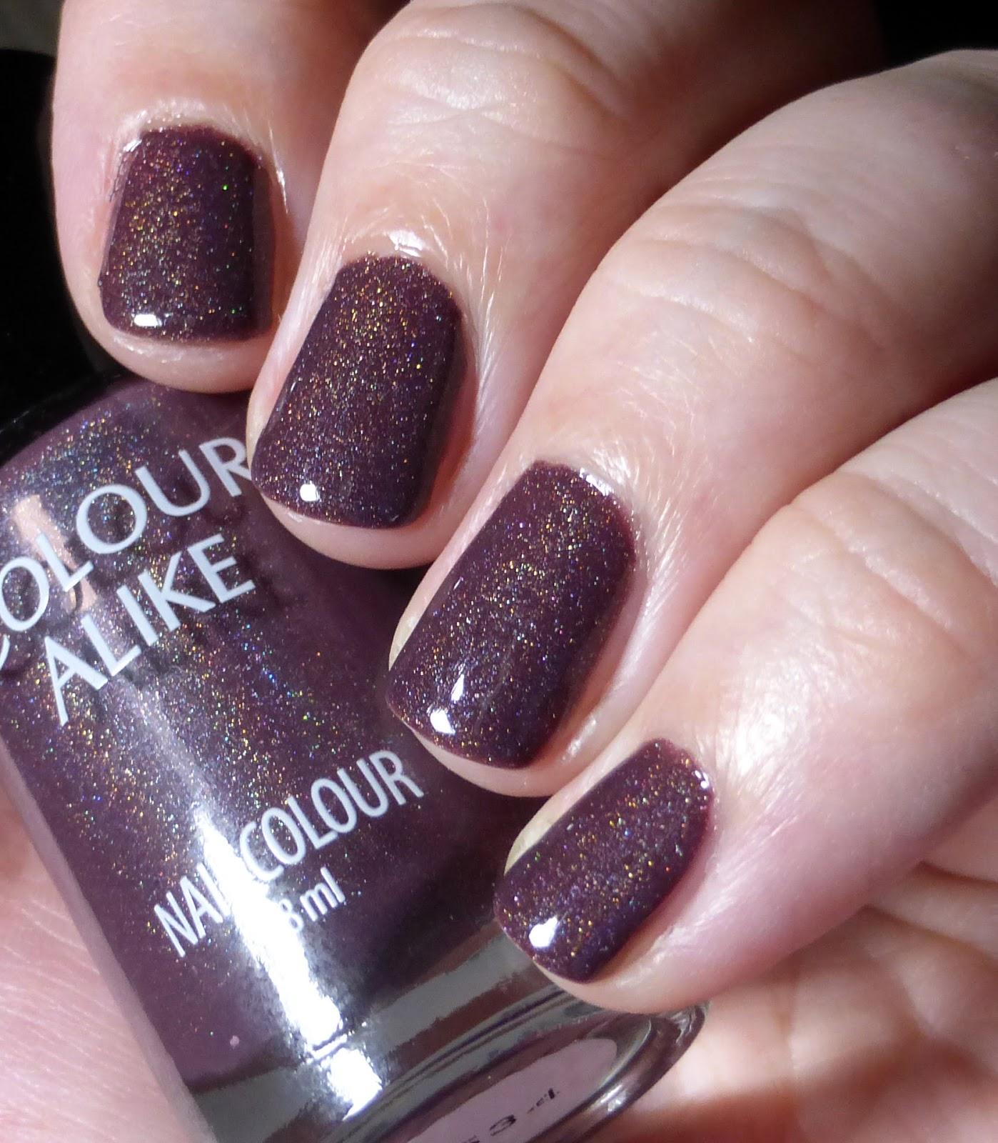 http://lackverliebt.blogspot.de/2015/01/colour-alike-holographic-jellies-534.html
