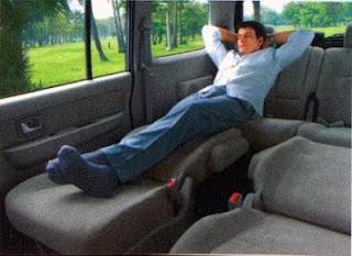 tempat duduk penumpang suzuki apv sangat besar luas dan lega