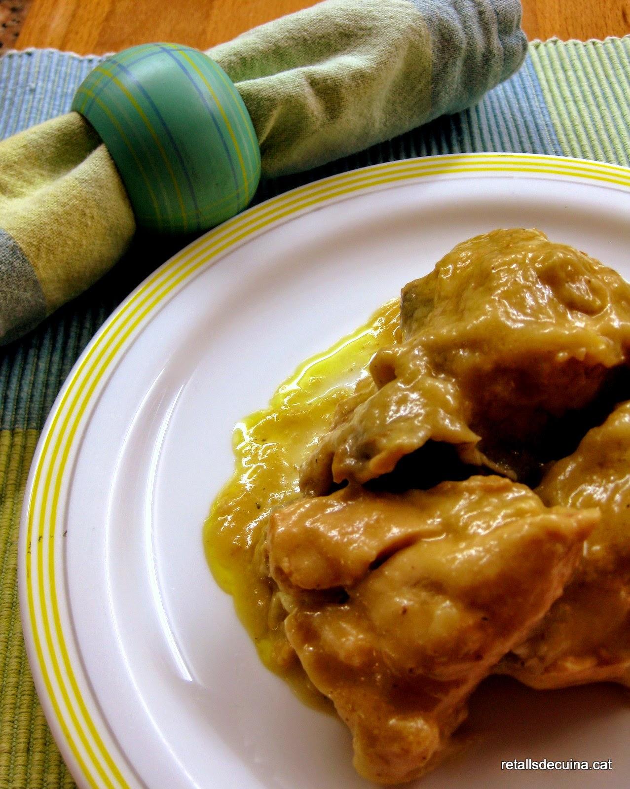 Pollastre amb salsa de calçots