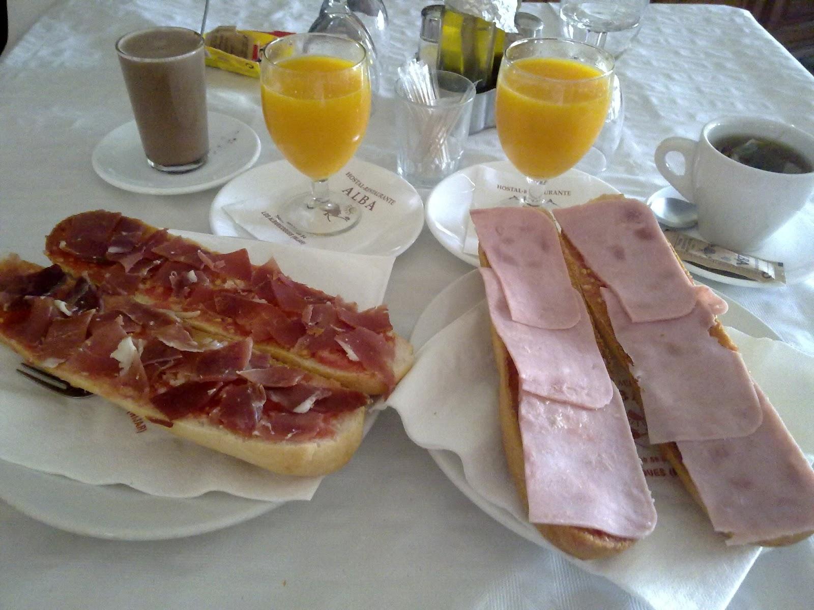 ... buenos días ¡¡¡  tarde y noche ¡¡¡... - Página 2 020-desayuno-hostal-alba-los-albaricoques-almeria-nijar-cabo-de-gata