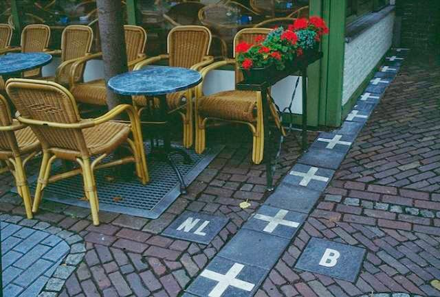 This rather relaxed border runs through the town of Baarle, essentially splitting the town in two.