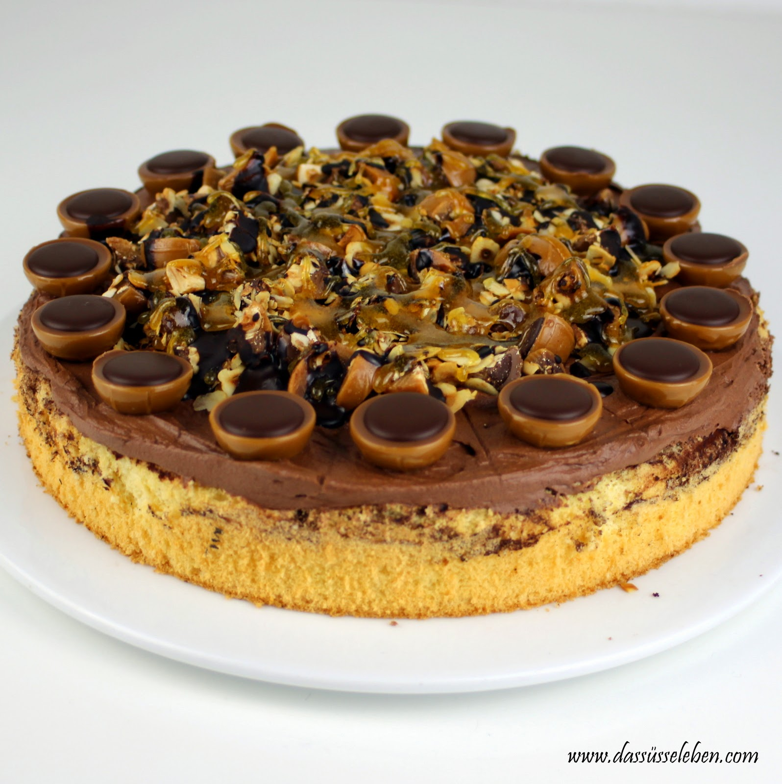 rezept toffifee torte mit schoko und karamellsauce das. Black Bedroom Furniture Sets. Home Design Ideas