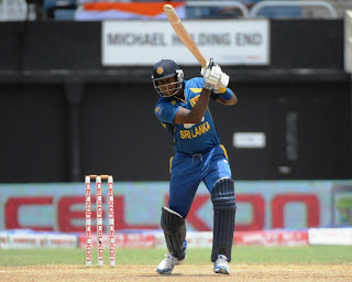 Angelo-Mathews-44Runs-India-vs-Srilanka-Tri-Series-2013