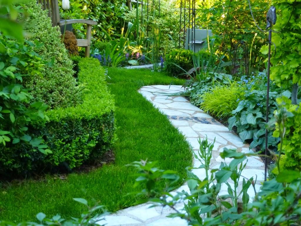 le jardin des grandes vignes grande cisaille gazon. Black Bedroom Furniture Sets. Home Design Ideas
