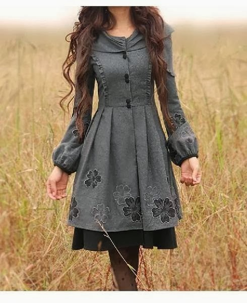 Amazing grey flowery dress for fall