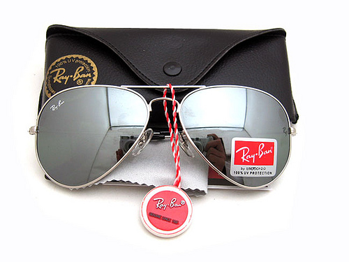 Ao eyewear ray ban men 39 s rb3030 aviator outdoorsman for Lunettes de soleil ray ban aviator miroir
